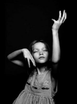 girl,children,black,and,white,photography,kid,bw-104d1f85c100aa85e17f60cc65b0081e_h
