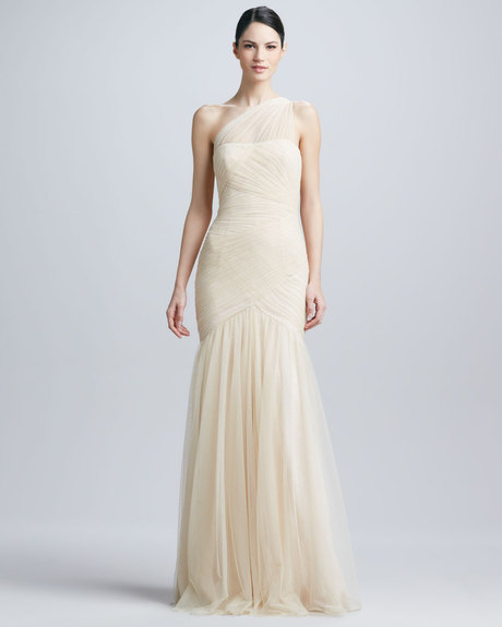ml-monique-lhuillier-vanilla-oneshoulder-tulle-gown-product-1-8292021-001396589_large_flex